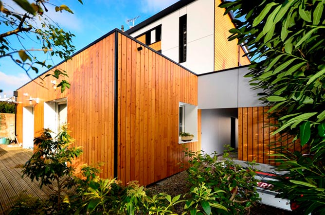 relooker facade maison relooker le jardin duaccueil duune maison ile de france with relooker. Black Bedroom Furniture Sets. Home Design Ideas