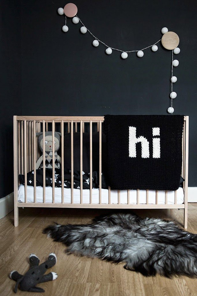 du noir sur les murs blueberry home. Black Bedroom Furniture Sets. Home Design Ideas